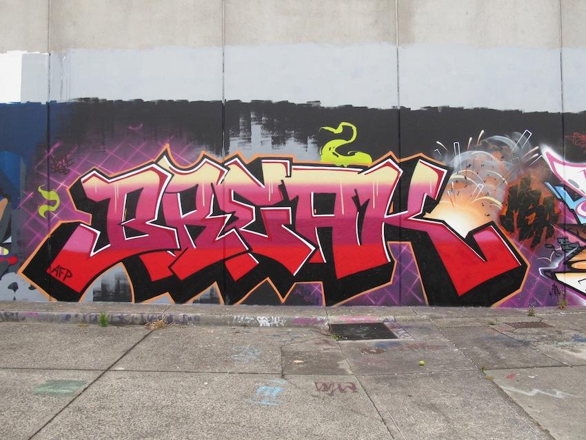 deansunshine_landofsunshine_melbourne_streetart_graffiti_F1 WALL 4