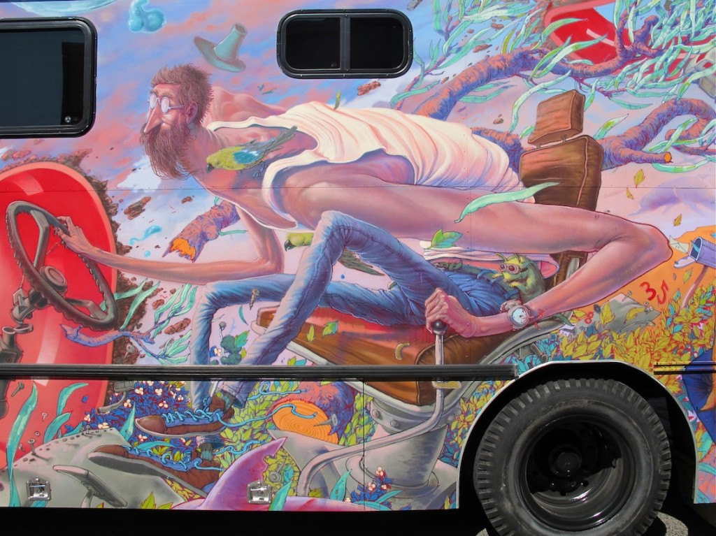deansunshine_landofsunshine_melbourne_streetart_graffiti_JAWS bus 11