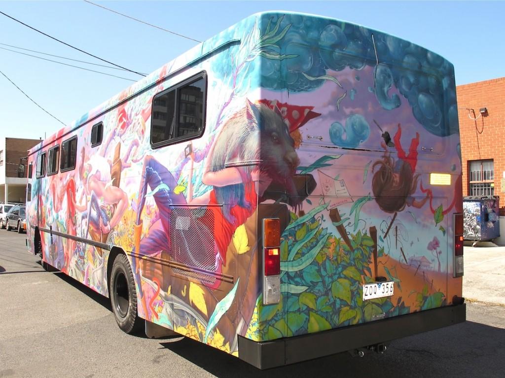 deansunshine_landofsunshine_melbourne_streetart_graffiti_JAWS bus 13