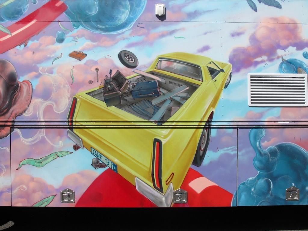 deansunshine_landofsunshine_melbourne_streetart_graffiti_JAWS bus 4