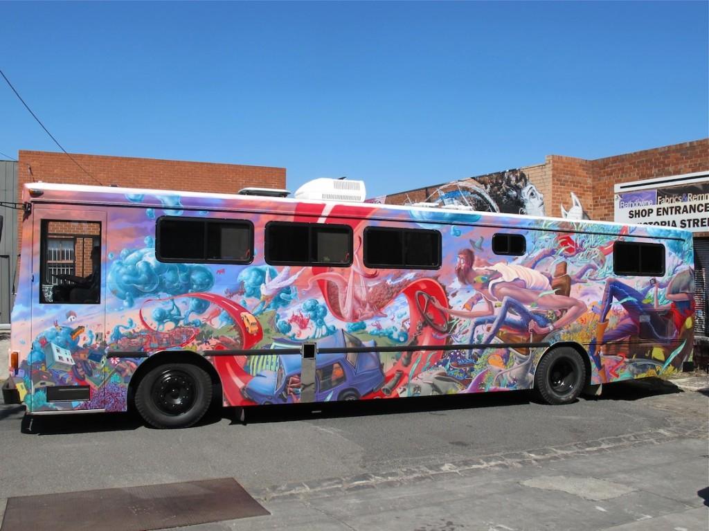 deansunshine_landofsunshine_melbourne_streetart_graffiti_JAWS bus 7