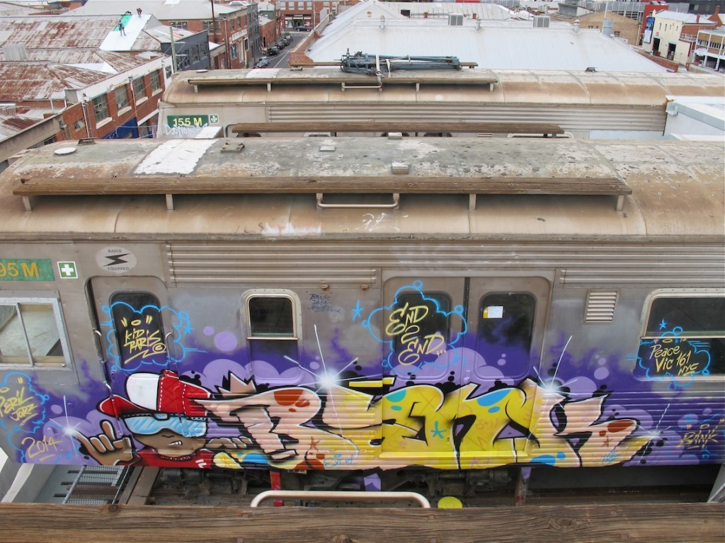 deansunshine_landofsunshine_melbourne_streetart_graffiti_craned trains bombed again 13