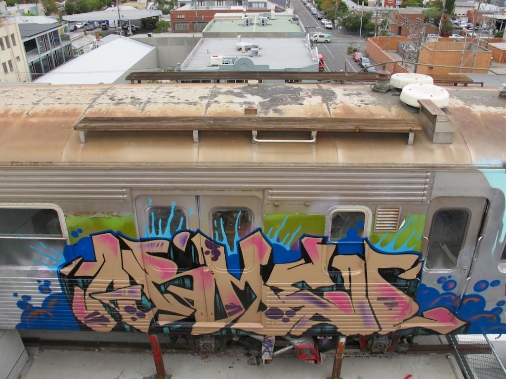 deansunshine_landofsunshine_melbourne_streetart_graffiti_craned trains bombed again 15