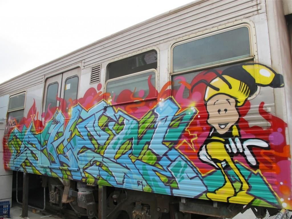 deansunshine_landofsunshine_melbourne_streetart_graffiti_craned trains bombed again 6