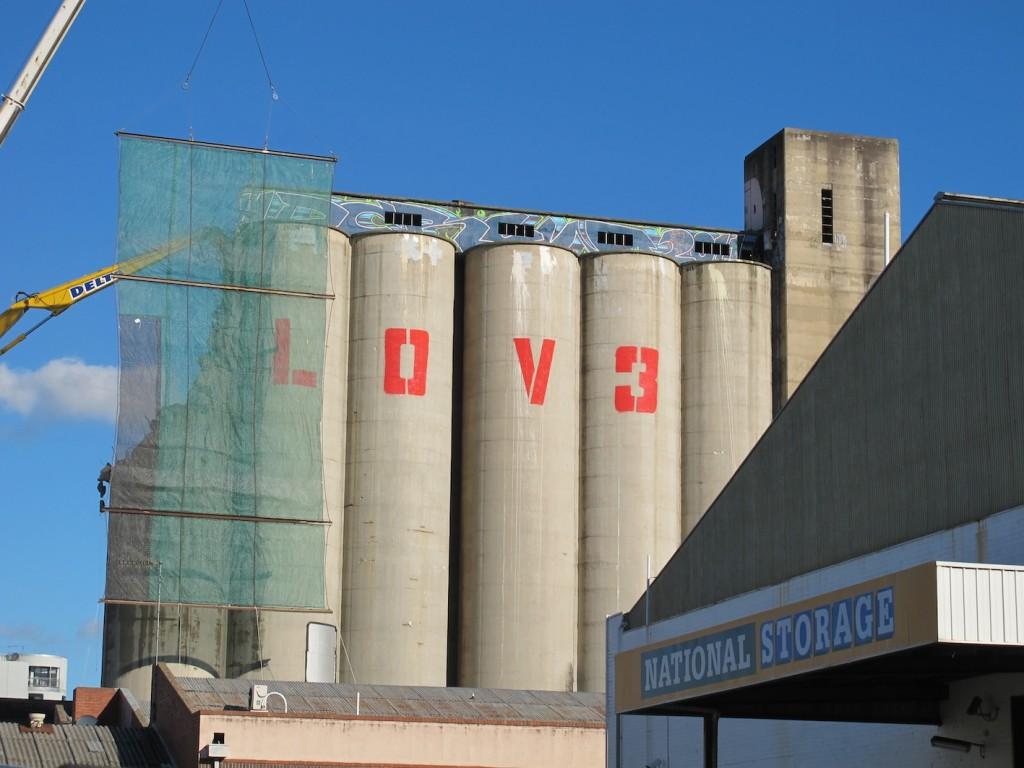 deansunshine_landofsunshine_melbourne_streetart_graffiti_LOVE melbourne 9