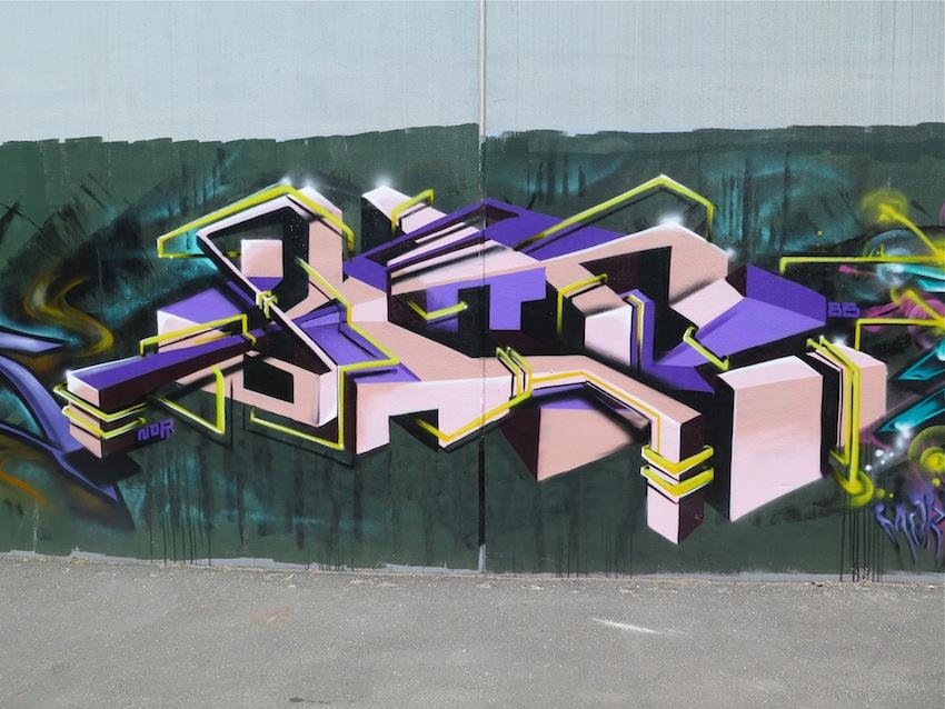 deansunshine_landofsunshine_melbourne_streetart_graffiti_brunswick paint up 7