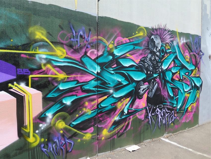 deansunshine_landofsunshine_melbourne_streetart_graffiti_brunswick paint up 8