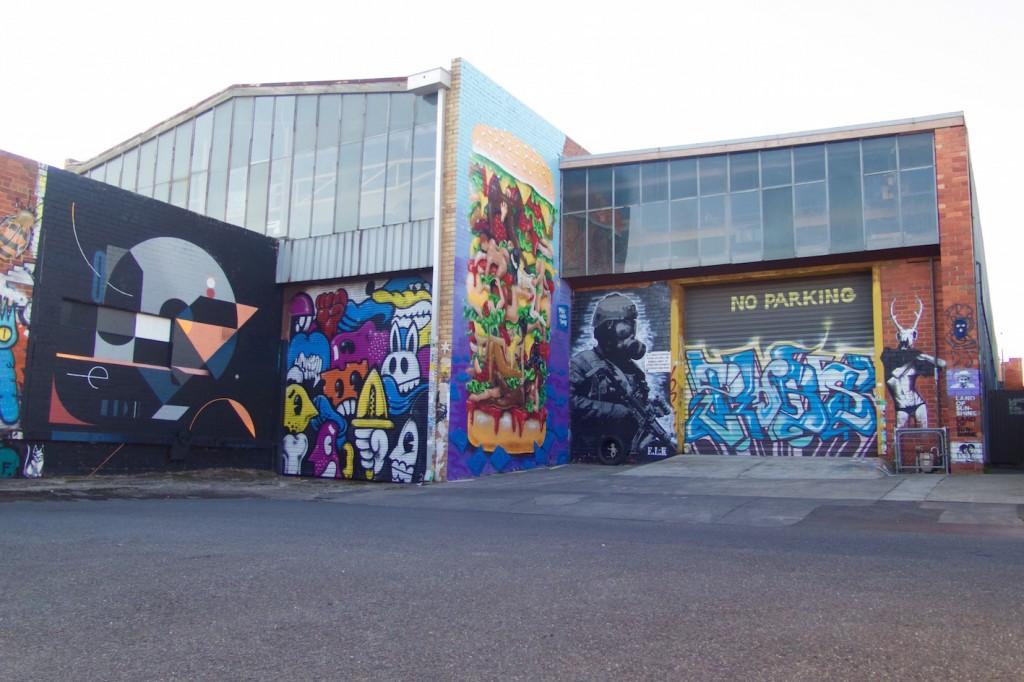 deansunshine_landofsunshine_melbourne_streetart_graffiti_Makatron kama Sutra burger 4