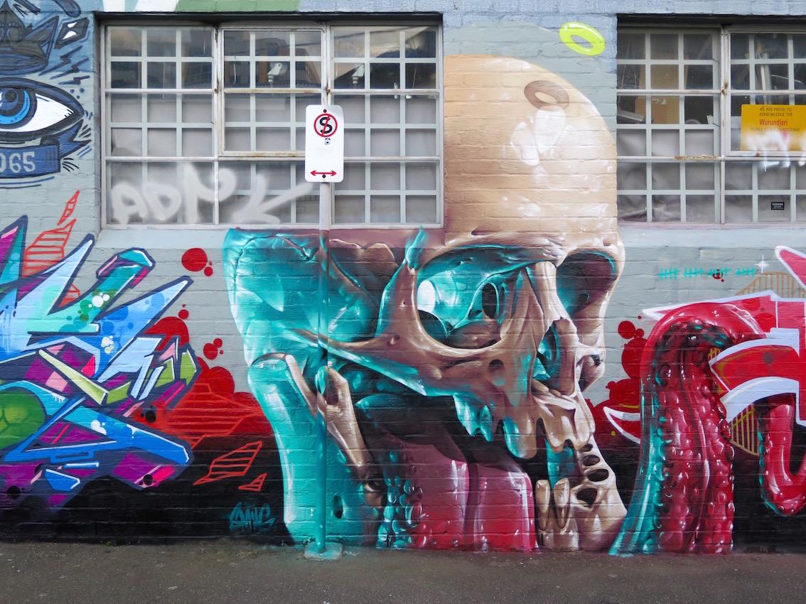 deansunshine_landofsunshine_melbourne_streetart_graffiti_invurt top ten 58 5 Smug 5