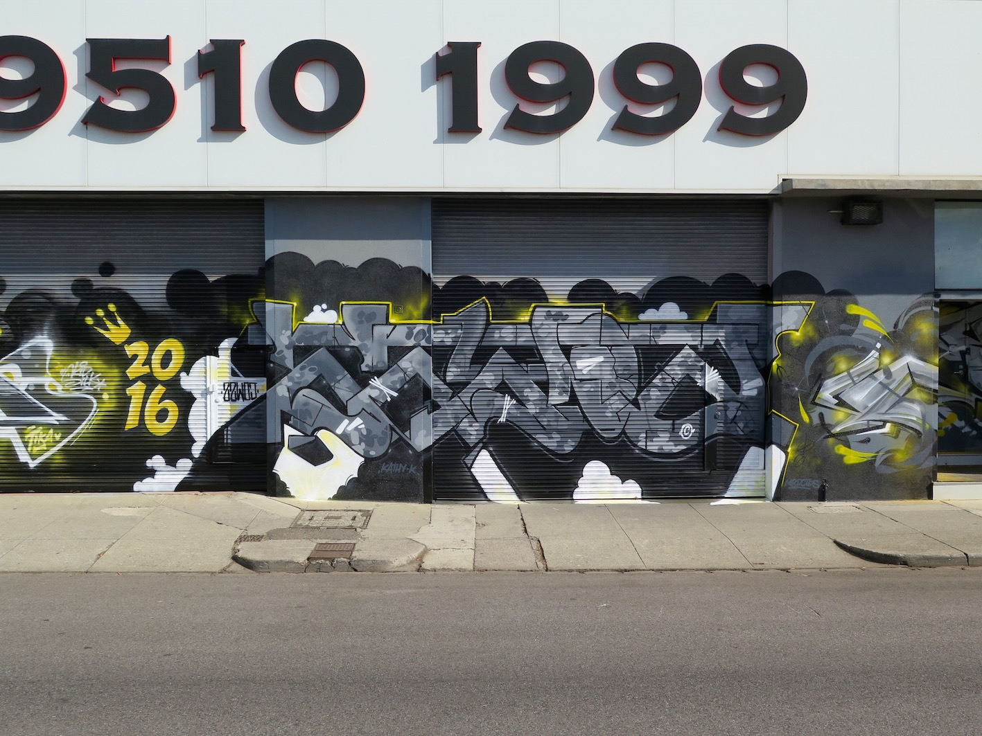 deansunshine_landofsunshine_melbourne_streetart_graffiti_national storage 8