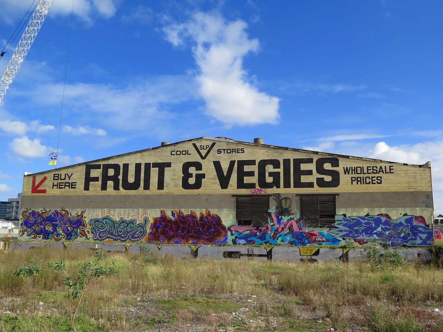 deansunshine_landofsunshine_melbourne_streetart_graffiti_Footscray Fruit & Vegies 1