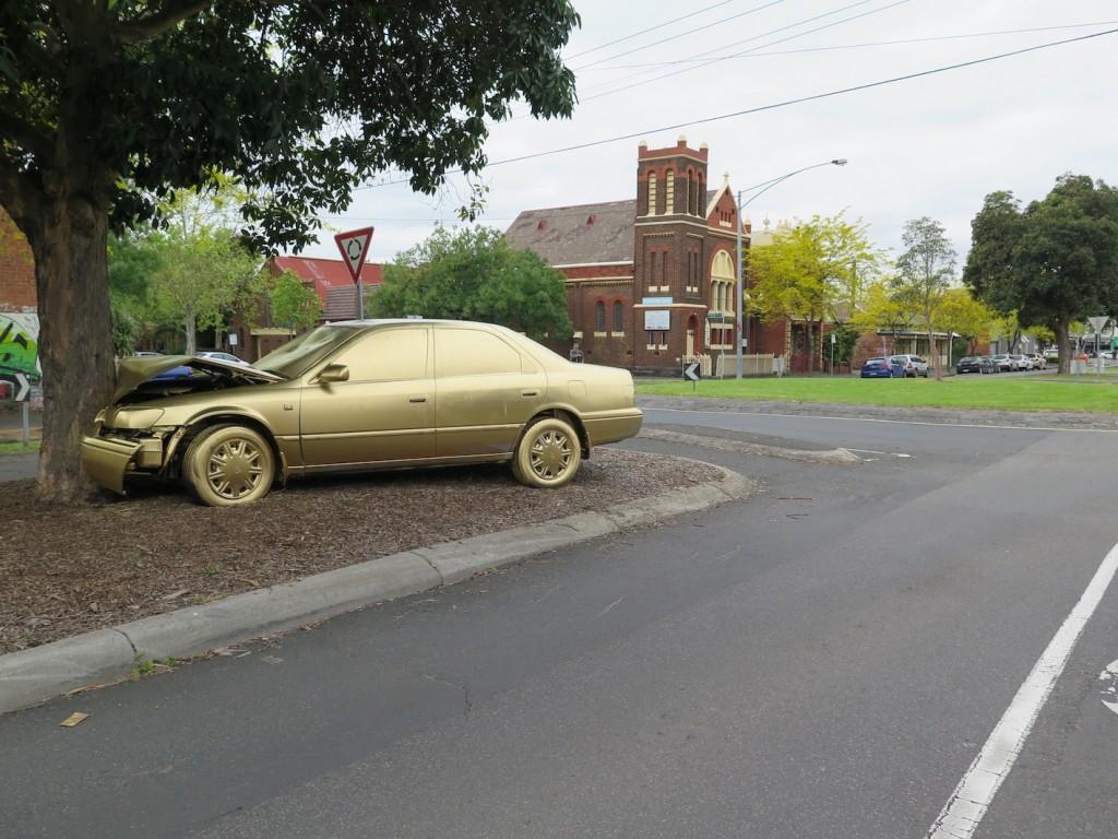 deansunshine_landofsunshine_melbourne_streetart_b-ling-golden-camry-5