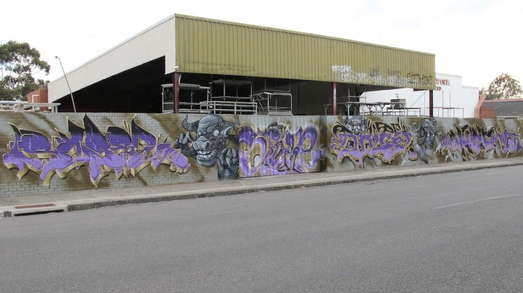 deansunshine_landofsunshine_melbourne_streetart_graffiti_ID crew and friends 1