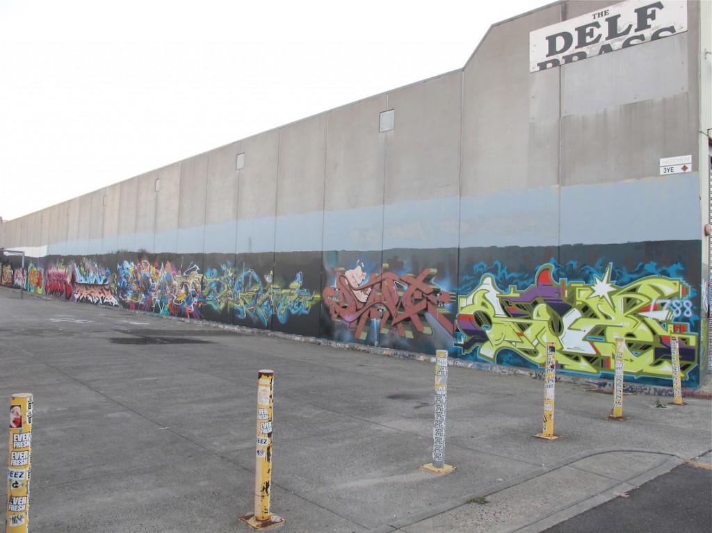 deansunshine_landofsunshine_melbourne_streetart_graffiti_F1 WALL 1