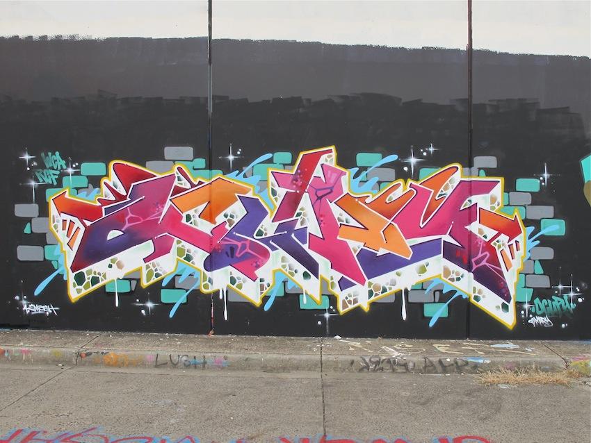 deansunshine_landofsunshine_melbourne_streetart_graffiti_F1 WALL 2