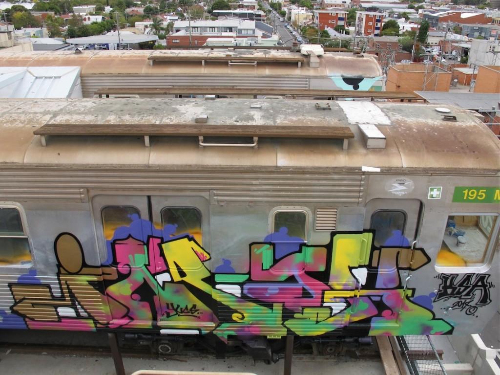 deansunshine_landofsunshine_melbourne_streetart_graffiti_craned trains bombed again 17
