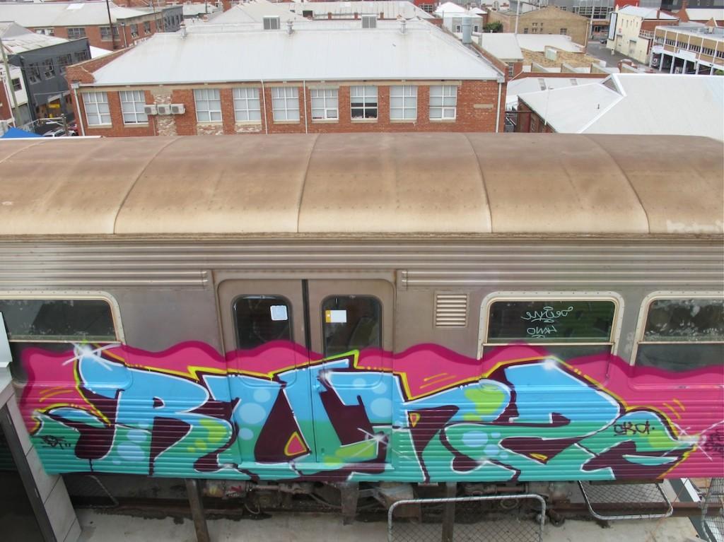 deansunshine_landofsunshine_melbourne_streetart_graffiti_craned trains bombed again 5