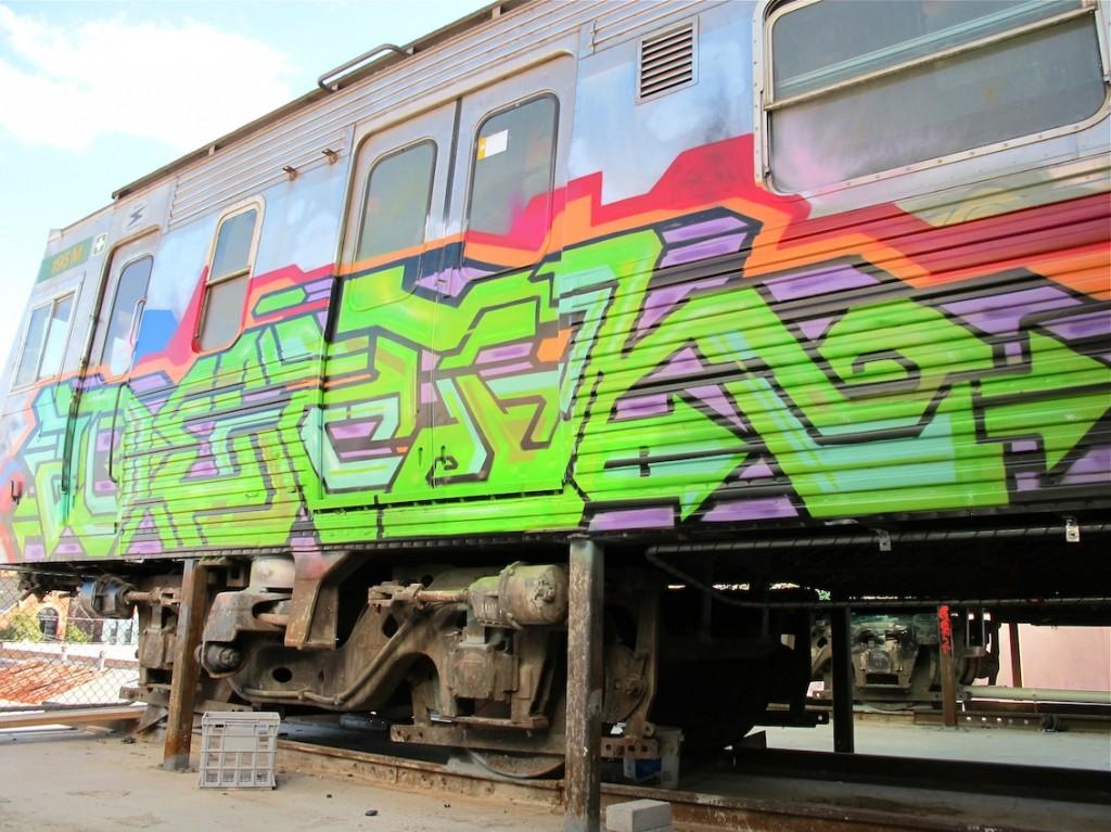 deansunshine_landofsunshine_melbourne_streetart_graffiti_craned trains bombed again 8