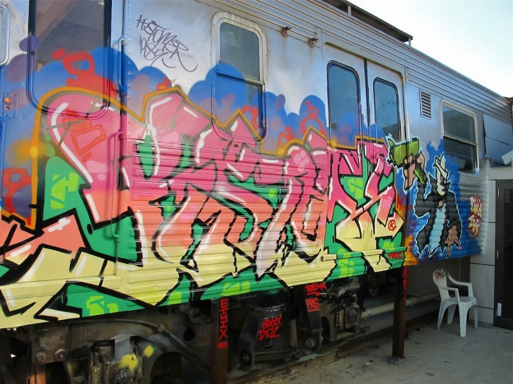 deansunshine_landofsunshine_melbourne_streetart_graffiti_craned trains bombed again 9