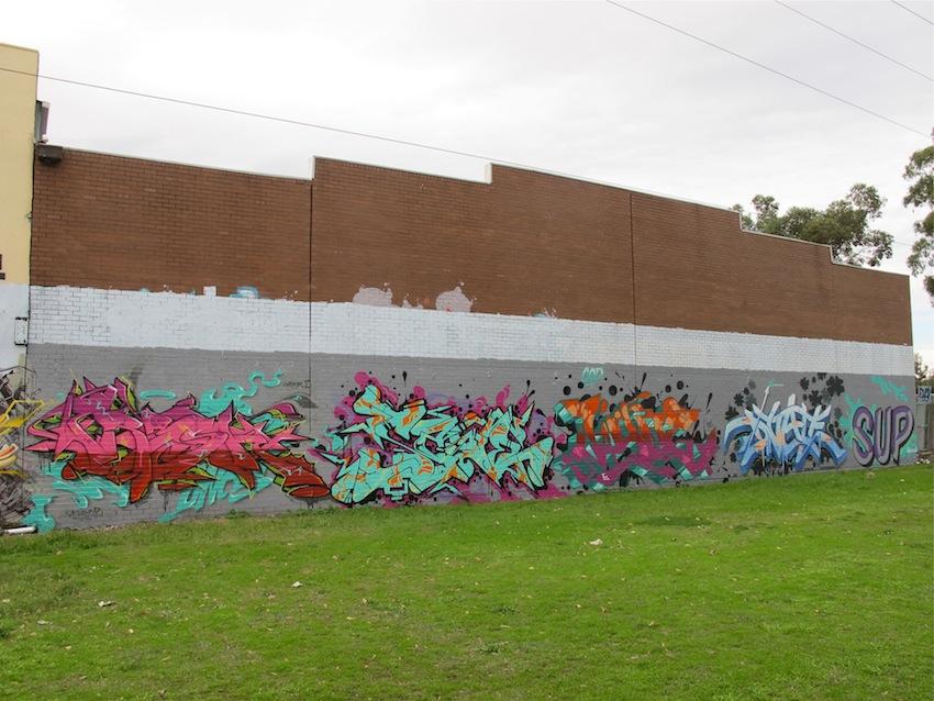 deansunshine_landofsunshine_melbourne_streetart_graffiti_F-ONE crew park st APRIL 2014 6
