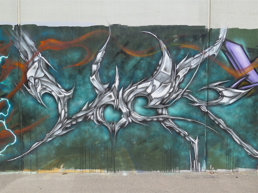 deansunshine_landofsunshine_melbourne_streetart_graffiti_brunswick paint up 5