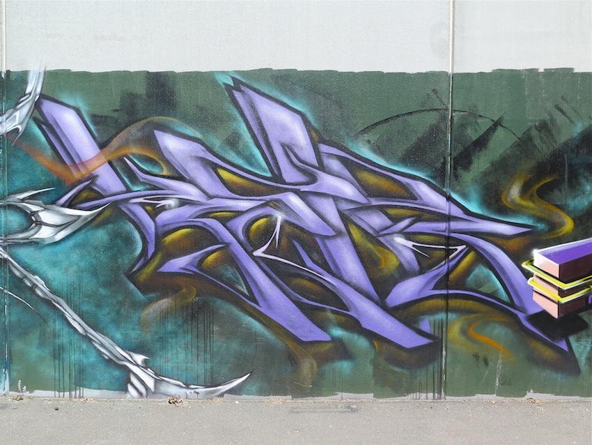 deansunshine_landofsunshine_melbourne_streetart_graffiti_brunswick paint up 6