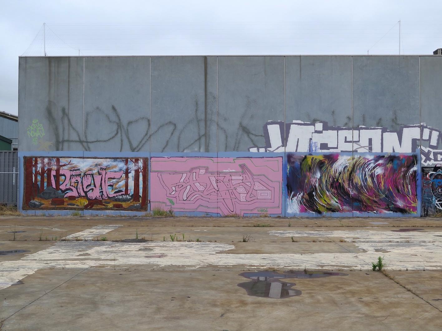 deansunshine_landofsunshine_melbourne_streetart_graffiti_ three mates in pt melb 1