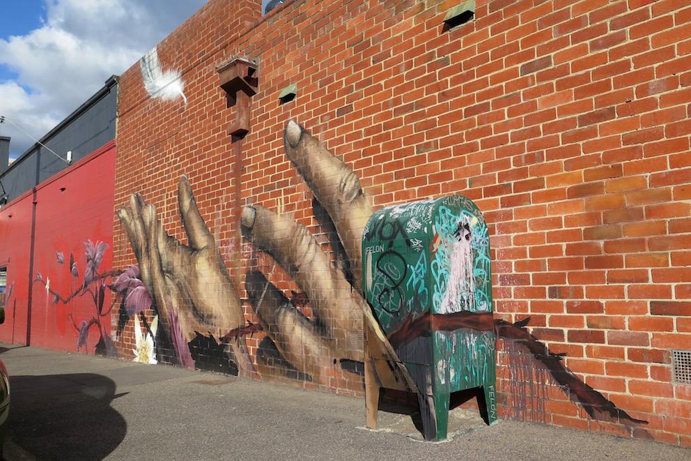 deansunshine_landofsunshine_melbourne_streetart_graffiti_Camscale thornbury mural 9