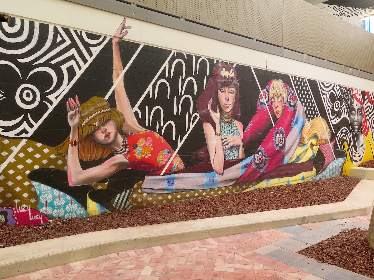 deansunshine_landofsunshine_melbourne_streetart_graffiti_eastland urban art project 7 lucy lucy shannons crees collab 3
