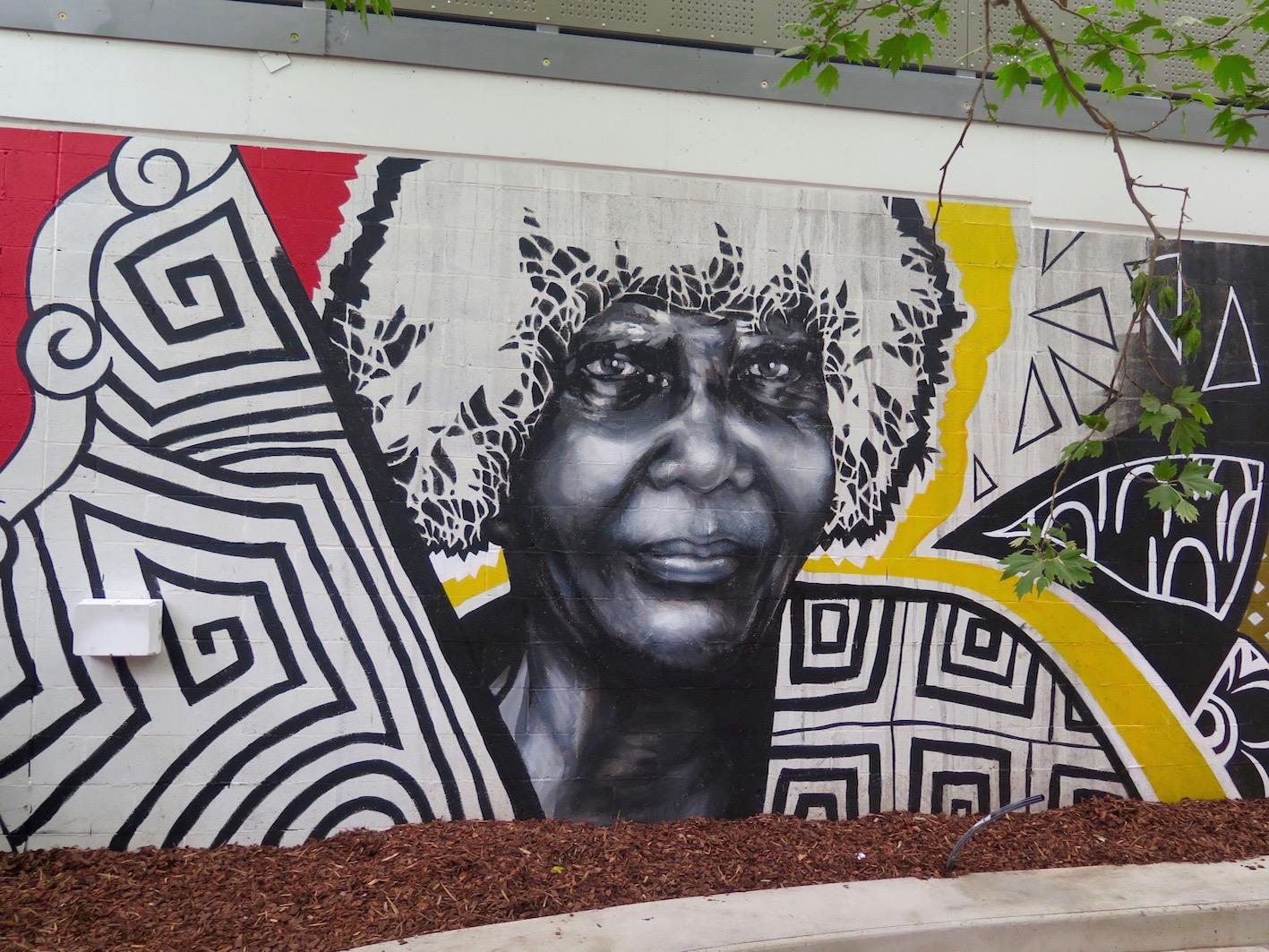 deansunshine_landofsunshine_melbourne_streetart_graffiti_eastland urban art project 9 lucy lucy shannons crees collab 4