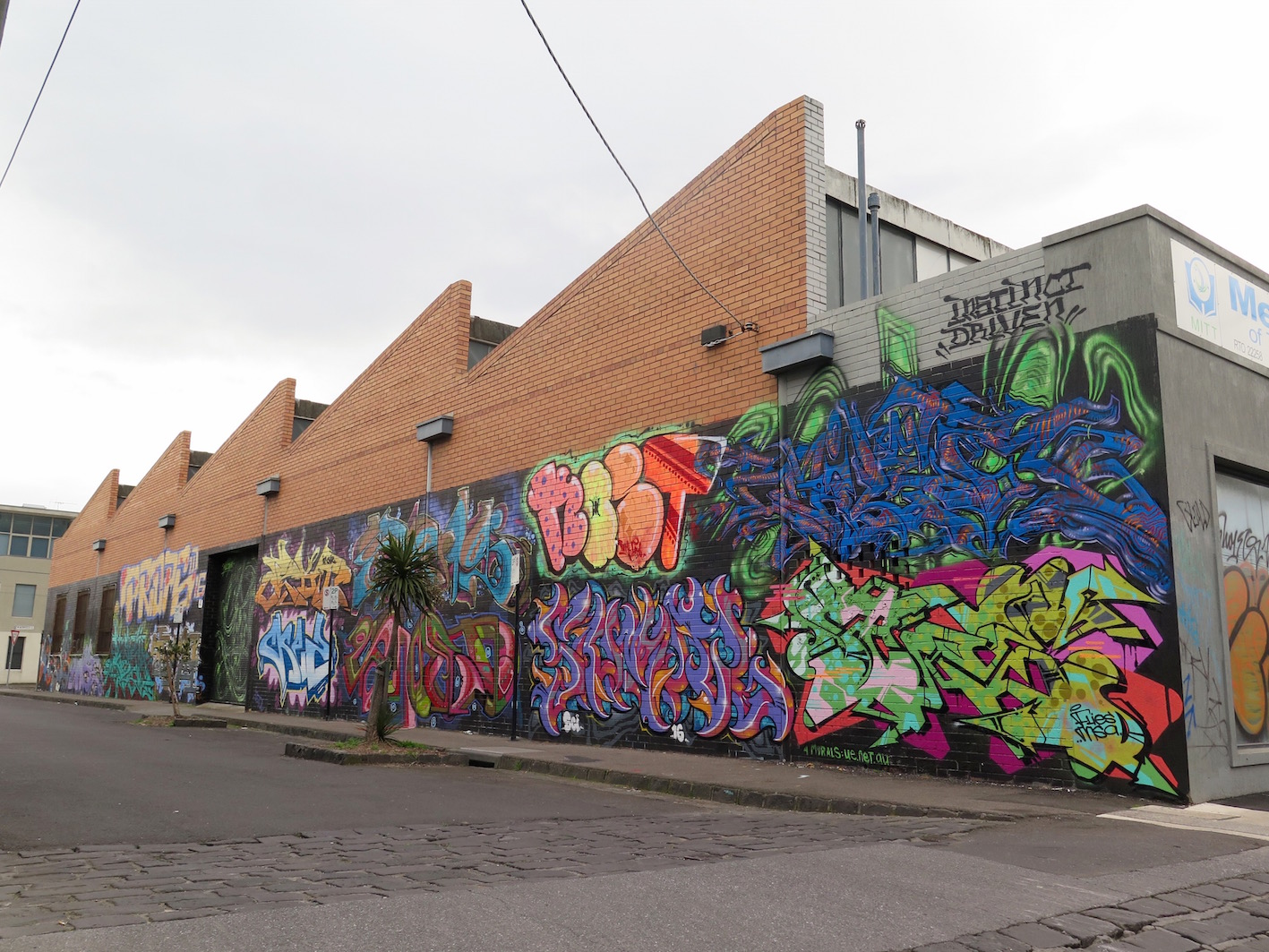 deansunshine_landofsunshine_melbourne_streetart_graffiti_ID crew brunswick 1